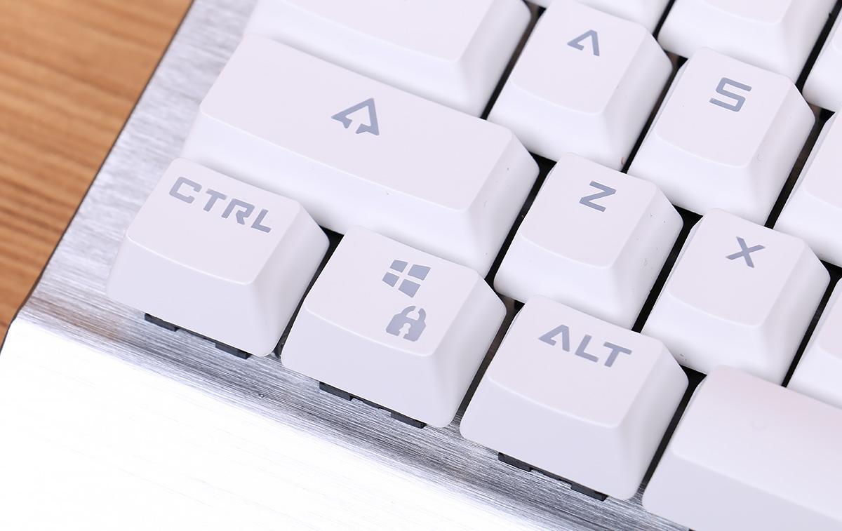 多彩机械键盘
