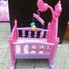 Creative Baby Girls Pretend Play Мебельные игрушки Куклы Кровать с одеялом Подушка Висячие колокола 2 бутылки молока Детские игруш