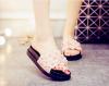 Сими Сюй летом смешанные конфеты конфеты обувь заклепки женские сандалии подвергается носок мула тапочки дома черный и белый панк конфеты