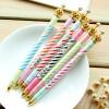 Yixiukeji 5 штук - корона дизайн - шариковая ручка мяч ручку для школы управления семьи использовать случайные цвета yixiukeji 5 штук палец шариковая ручка новизны прекрасно