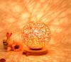 BOKT Минималистский массивный деревянный стол Настольная лампа для прикроватной тумбочки Красочный домашний декор Ротанг-мяч Круглый абажур (оранжевый)