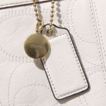 女款 白色漆皮经典c字母单肩背包