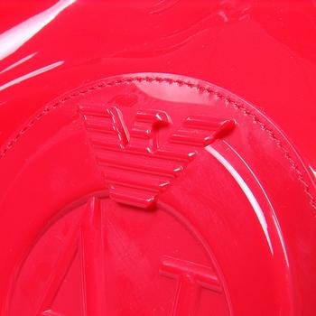 女式红色漆皮手提包