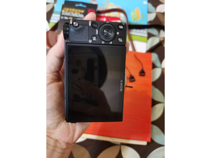 索尼(SONY)DSC-RX100M5A 黑卡数码相机怎么样【优缺点】最新媒体揭秘 品牌评测 第5张