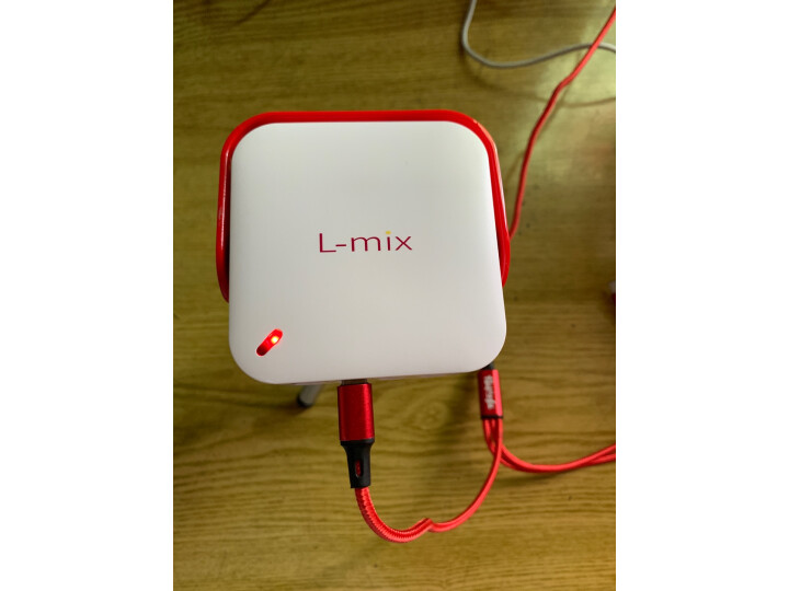 L-mix S1Hello Kitty投影仪 便携投影机怎么样,最新款的质量差不差呀? 值得评测吗 第3张