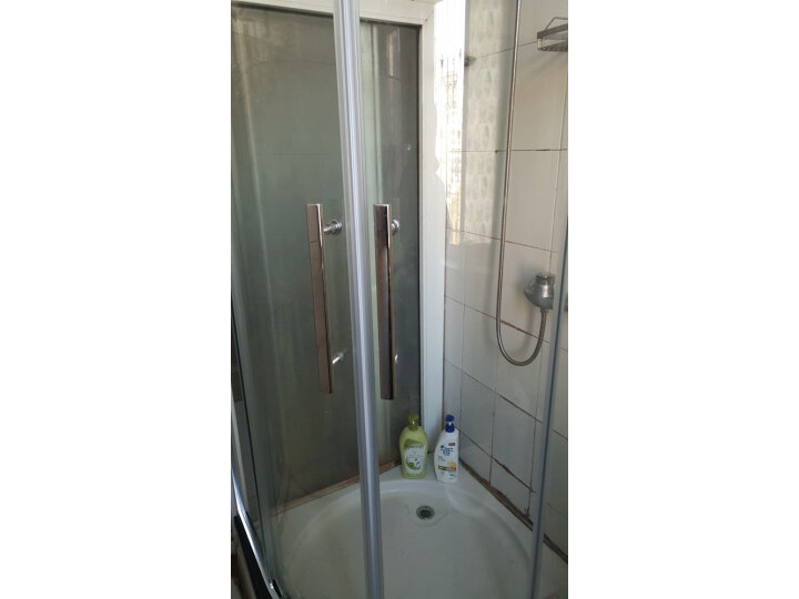 箭牌(ARROW) 整体淋浴房弧扇形钢化玻璃简易淋浴房隔断怎么样?媒体评测,质量内幕详解 艾德评测 第8张