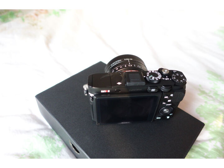 索尼(SONY)DSC-RX1RM2 黑卡数码相机怎么样?真实买家评价质量优缺点如何 选购攻略 第11张