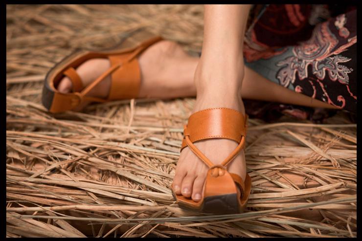 个性真皮女士拖鞋 复古牛皮凉拖