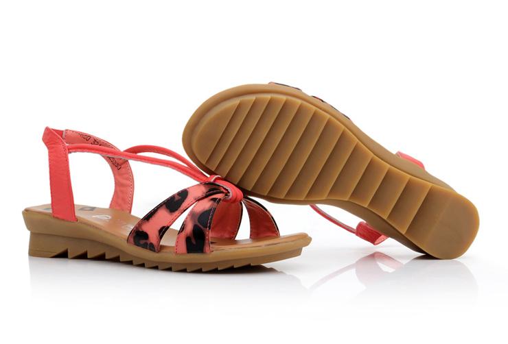 公主女士真皮坡跟罗马牛皮凉鞋正品女