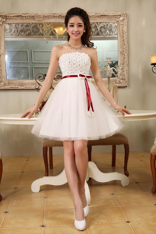 婚纱摆型:短裙摆