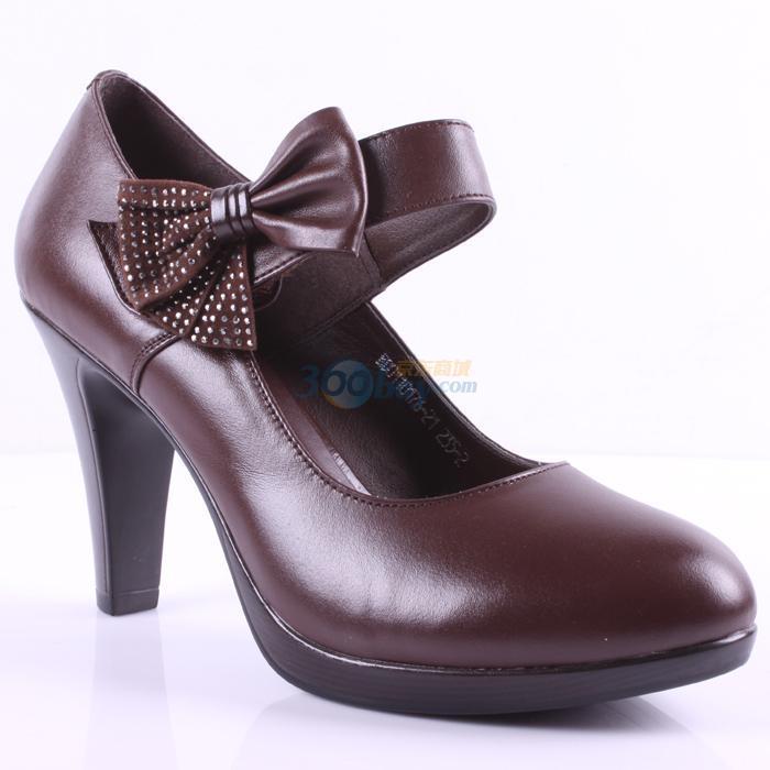意尔康 蝴蝶结魔术贴一体跟女单鞋