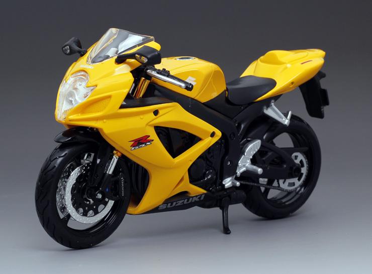 r600跑车仿真摩托车模型玩具车