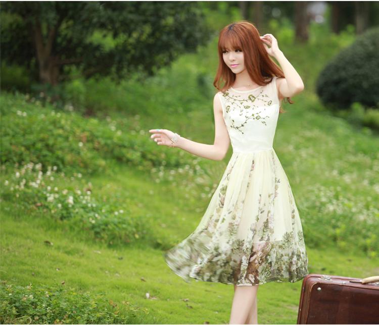 绿色雪纺无袖连衣裙
