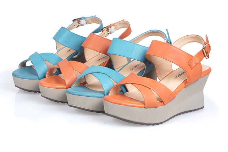 真皮高跟坡跟女凉鞋 露趾低帮厚底防水台休闲鞋子