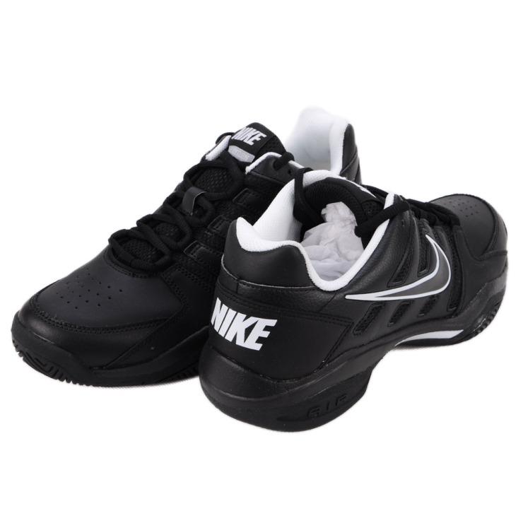 nike黑色球鞋