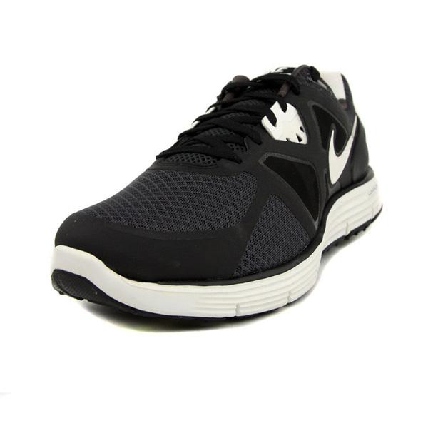 耐克黑色跑步鞋图片