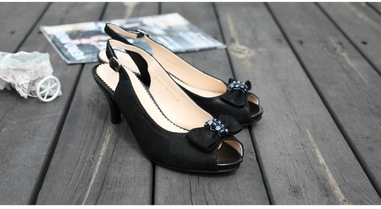 basto/百思图2013夏季黑色贴膜羊皮女皮凉鞋
