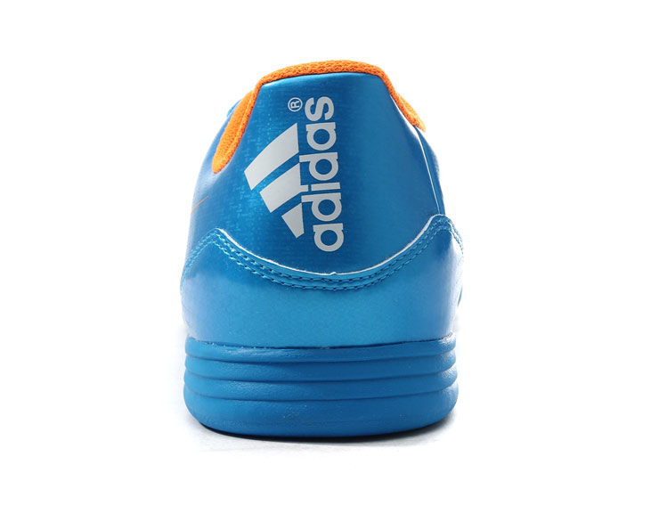 阿迪达斯adidas男鞋in桑巴战靴足球鞋2014新款f50