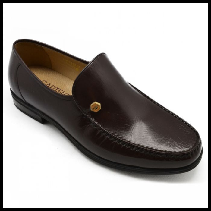 卡帝乐鳄鱼新款男鞋 金漆羊皮皮鞋