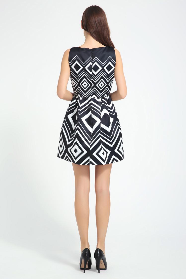 伊莲娜品牌女装2014夏季新款连衣裙黑色印花中腰短裙