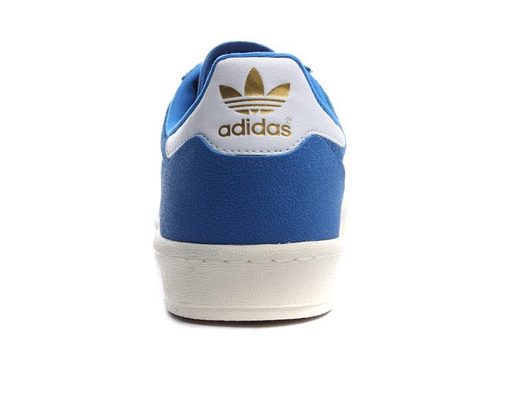 adidas鞋子搭配