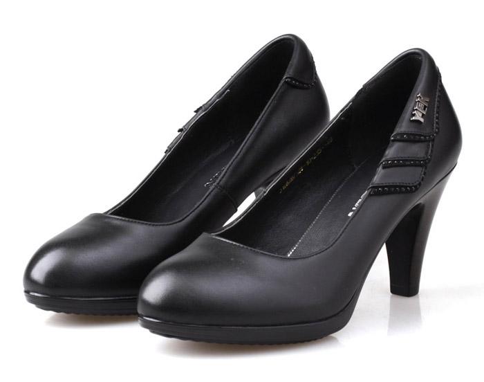 意尔康女鞋简约优雅女单鞋浅口高跟鞋春秋水钻真皮头