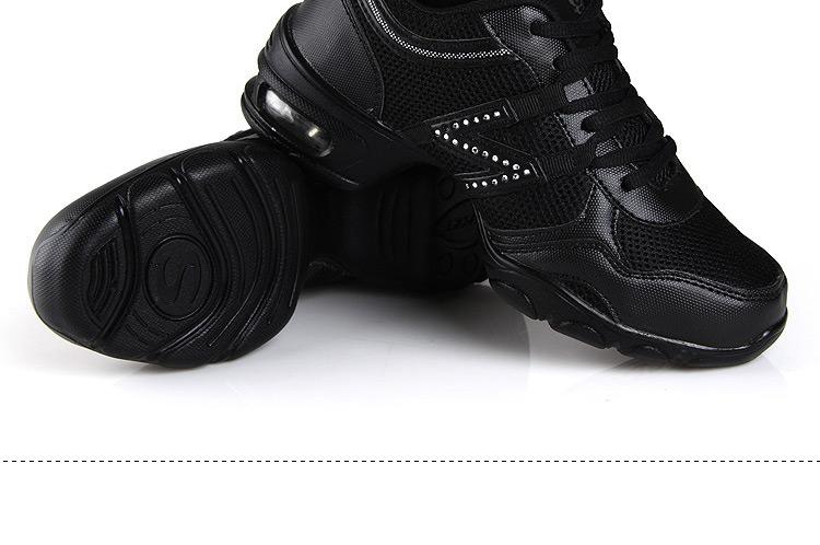 鞋运动网面增高鞋