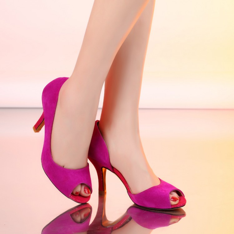 新款高跟凉鞋玉足图片 性感玉足高跟凉鞋
