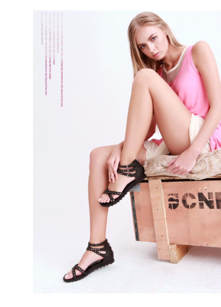 exull依思q 2012新款 铆钉皮带扣罗马鞋坡跟女鞋凉鞋