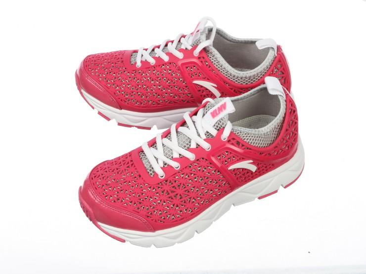 anta/安踏 女款 运动鞋
