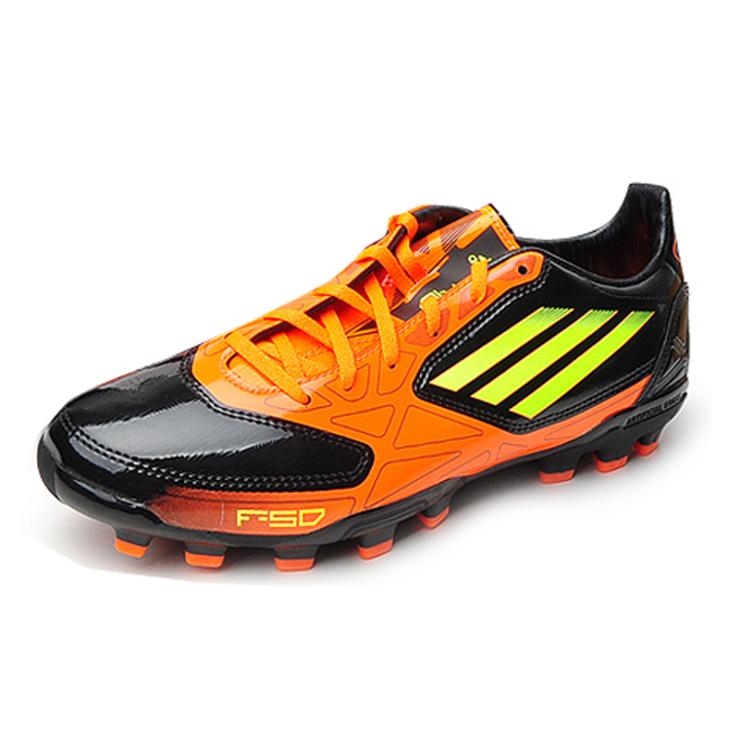 阿迪达斯adidas 男鞋 2012新款男子舒适耐磨足球鞋v2