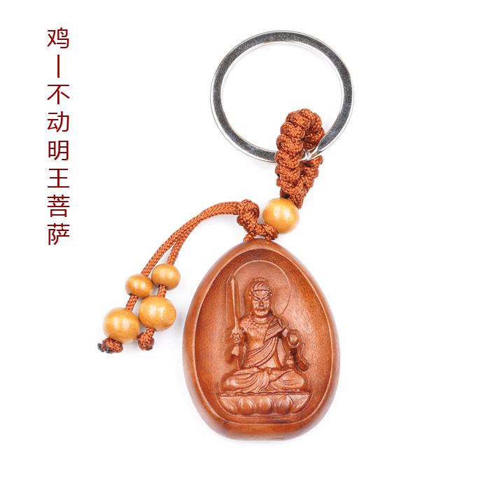 """【十二生肖本命佛】 【阿弥陀佛】 阿弥陀佛,其名号梵音为amitayusa(无量寿)、amitaba(无量光),别名无量寿佛、无量光佛、观自在王佛、甘露王。密号为清静。他是西方极乐世界的教主,与观音菩萨、大势至菩萨合称""""西方三圣""""。据记载,在很古的时候,他原是世自在王佛时的法藏比丘,受到世自在王佛的教化,自愿成就一个尽善尽美的佛国(极乐净土),并要以最善巧的方法来度化众生,发了四十八誓愿,因此成就了他成佛的愿望,而成为阿弥陀佛,现在仍在弥陀的西方净土说经法,据说遇到他大慈光的人,能够避免一切痛苦。 阿"""