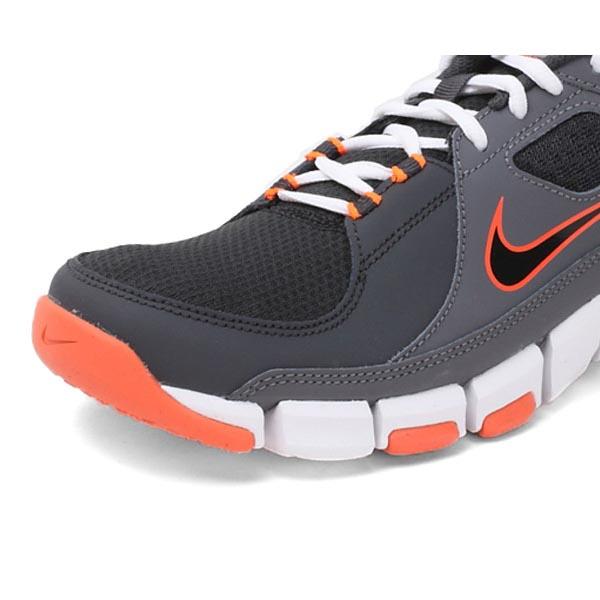 NIKE低帮运动鞋