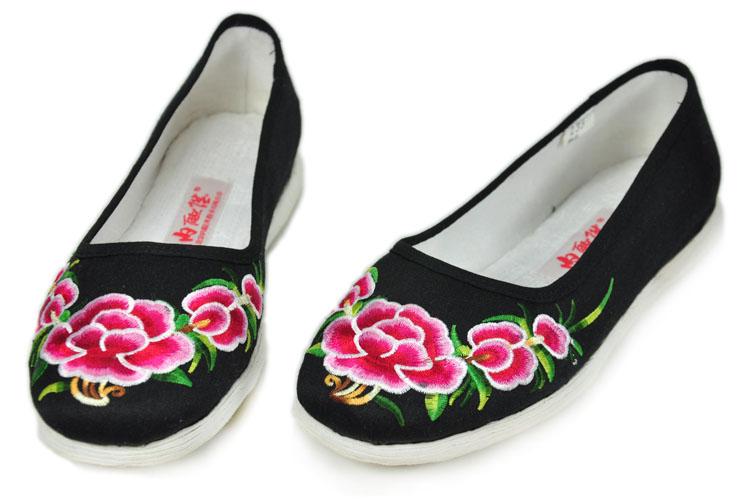 老北京布鞋绣花女鞋