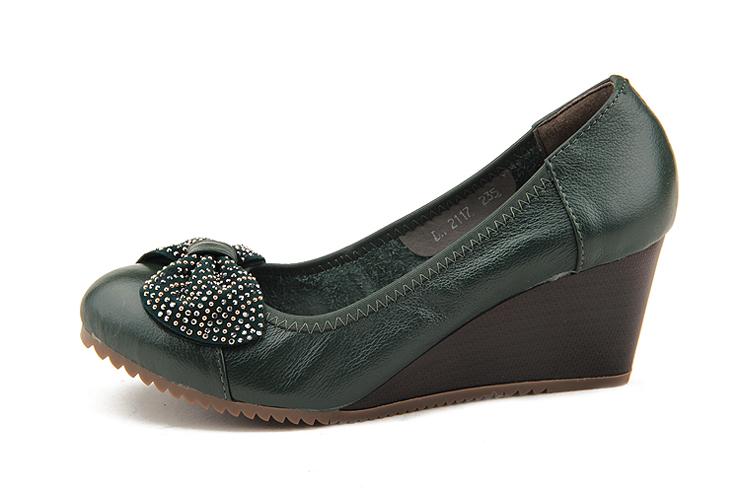 水钻蝴蝶结 真皮牛皮圆头软底坡跟时尚单鞋中