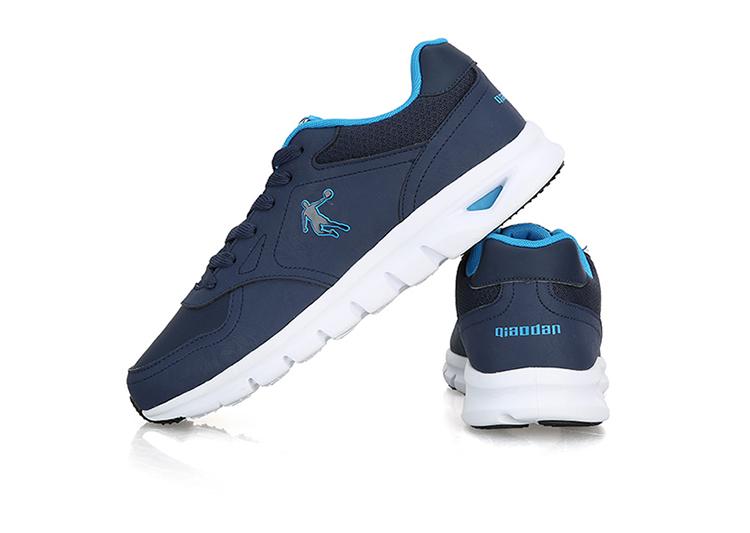 乔丹跑步鞋男鞋 日常轻便休闲鞋 舒适运动时尚革面轻便慢跑鞋 黑色