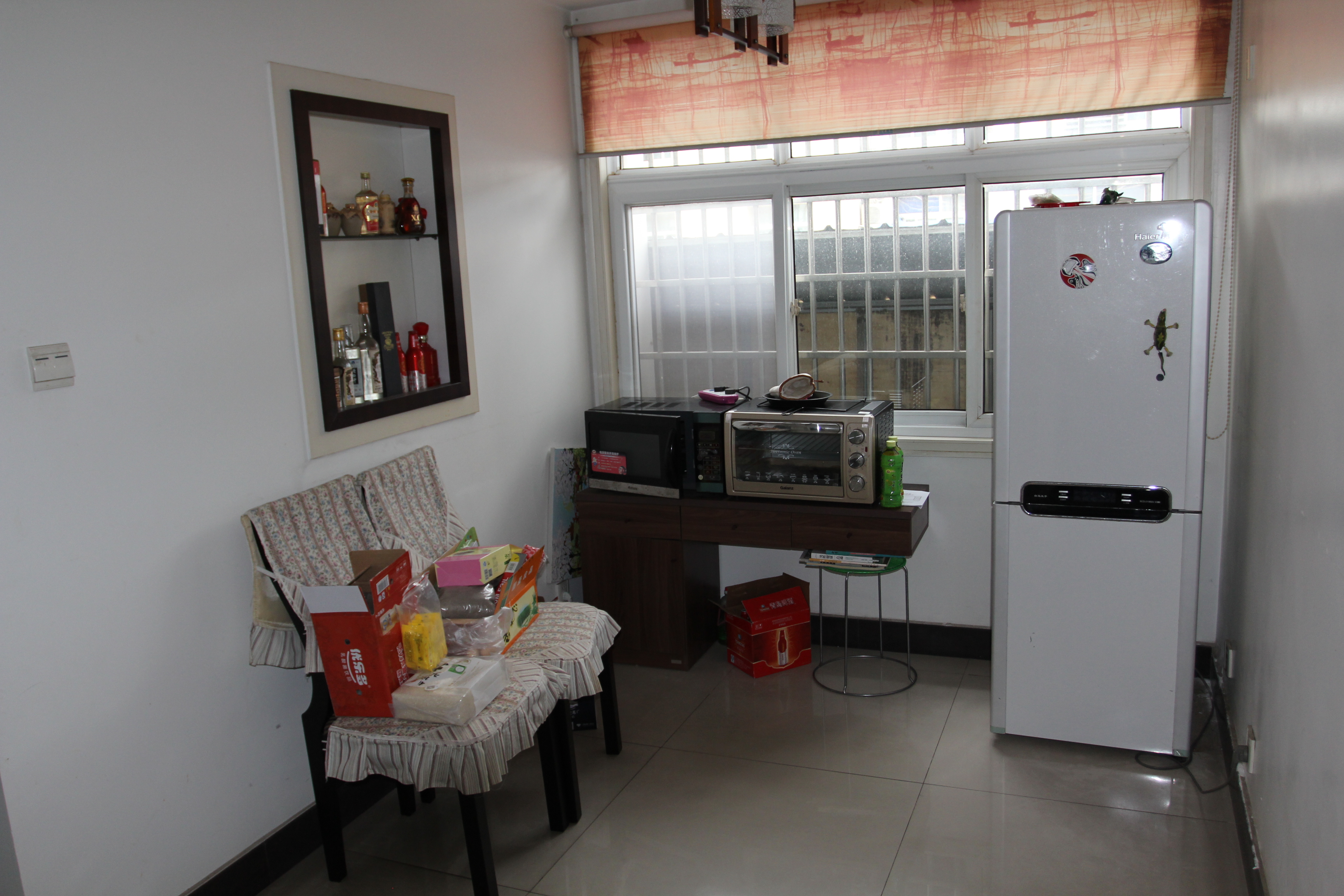 【第一次v住宅】亳州市谯城区香港步行街b区210住宅.背景餐桌墙和沙发墙一体的装修图片欣赏图片