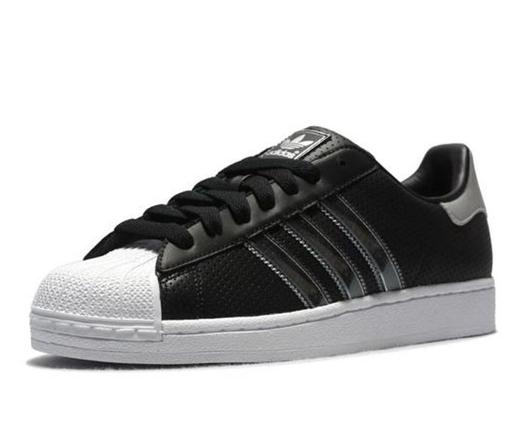 三叶草adidas 男士板鞋