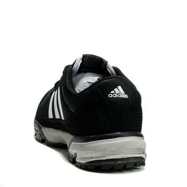 运动鞋阿迪达斯adidas