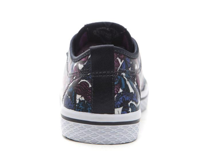 adidas 三叶草耐磨帆布鞋