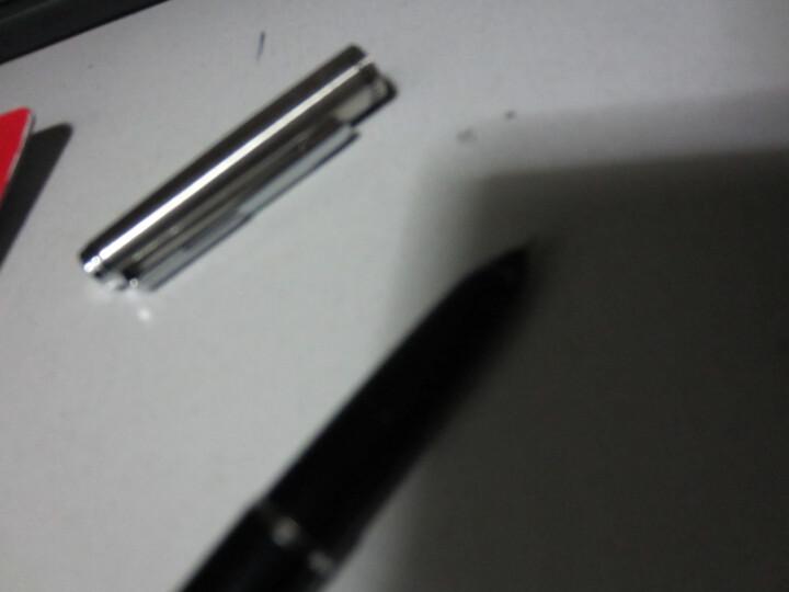 很好用,很实惠,很流畅,很漂亮.我就喜欢这样的钢笔.不掉