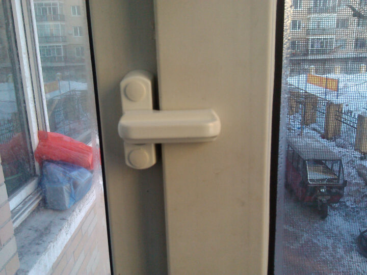 T型月牙锁 塑钢平开门窗锁 推拉执手把手 窗子防盗锁 窗户搭扣防盗锁 晒单图