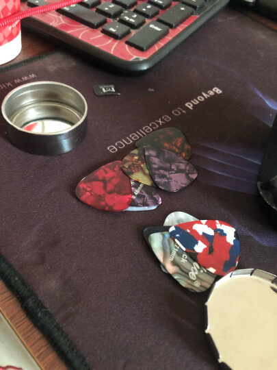 爱丽丝Alice 彩色赛璐珞吉他拨片 电木吉他拨片 0.46mm 0.71mm 0.81mm 12片装 送不锈钢盒 A011C 晒单图