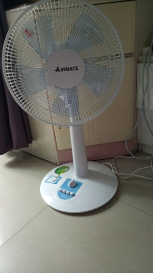 艾美特(Airmate)电风扇 台立扇 5片柔风扇叶 3档风量 台地两用 SW56T2 晒单图