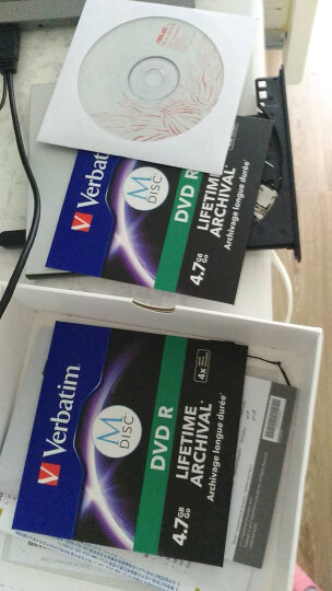 华硕(ASUS) 8倍速 USB2.0 笔记本外置光驱 DVD刻录机 移动光驱 银色(兼容苹果MAC双系统/SDRW-08U7M-U)免驱动 晒单图
