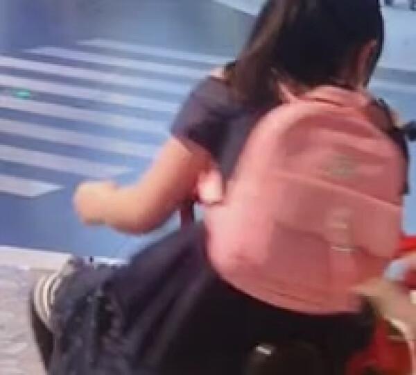可爱公主儿童双肩包 小学生书包韩版潮时尚女童背包小女孩休闲旅游 女生包包四件套 黑色 晒单图