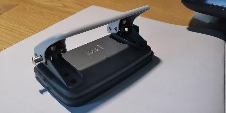 得力(deli) 打孔器文件夹装订手动二孔打孔机双孔活页纸张打洞办公文具 0101/蓝色小号打孔器 晒单图