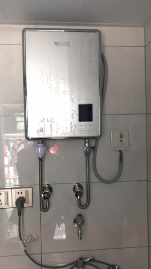 汉诺威(hannover)即热式电热水器即热电热 家用智能速热变频恒温小型立式包安装 DSC-ME2 银色 8.8KW 晒单图