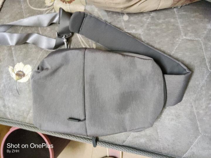 小米(MI)多功能都市休闲胸包 男单肩包斜跨包 可容纳7英寸平板电脑 浅灰色 晒单图