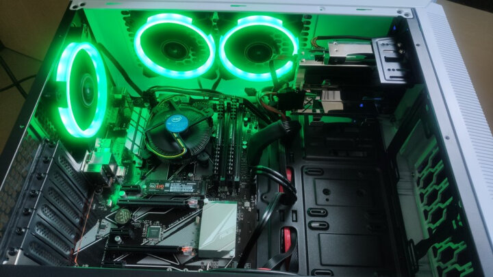 先马(SAMA)游戏风暴 12CM蓝光 机箱风扇(LED蓝光/小3pin+大4pin接口/航空动力学/低噪音/高效散热) 晒单图